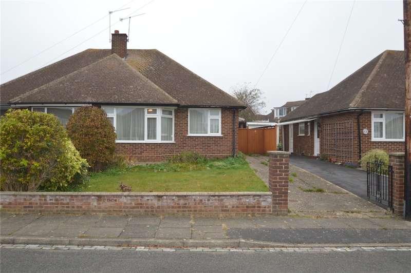 2 Bedrooms Semi Detached Bungalow for sale in Kenwood Close, Maidenhead, Berkshire, SL6
