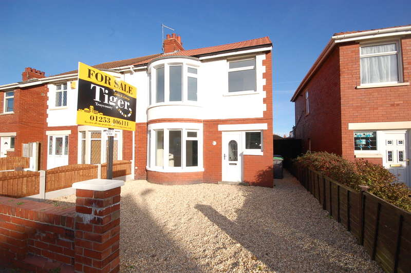 3 Bedrooms Semi Detached House for sale in Roseacre, Blackpool