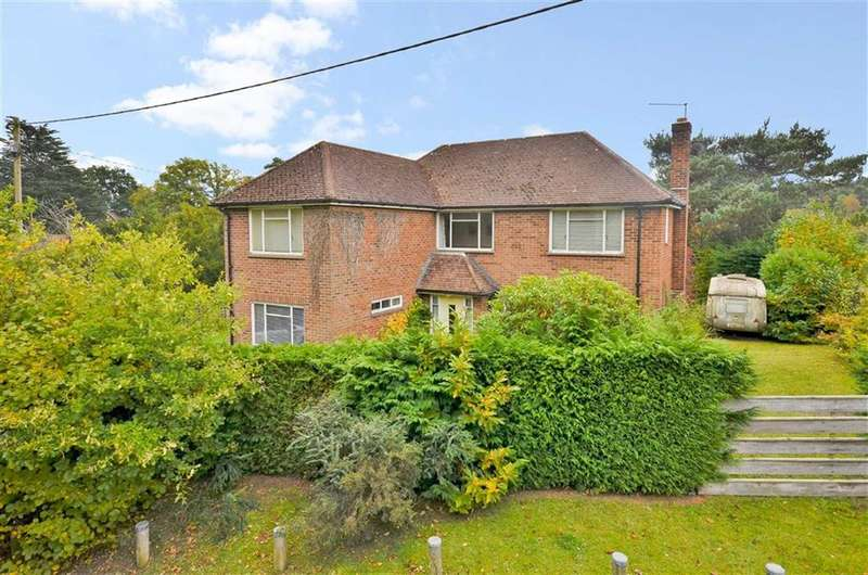 4 Bedrooms Property for sale in Middle Bourne Lane, Farnham