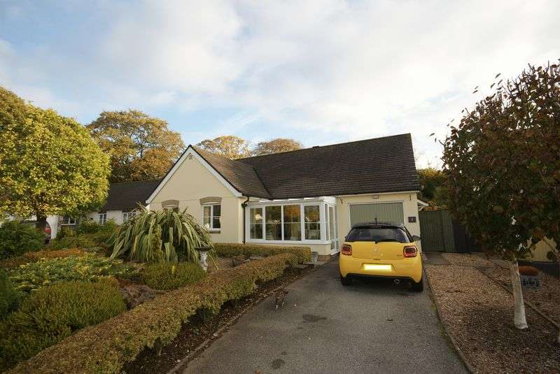 3 Bedrooms Detached Bungalow for sale in Maple Close, Bodmin