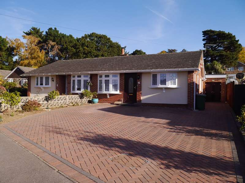 3 Bedrooms Semi Detached Bungalow for sale in Beverley Heights, Townhill Park