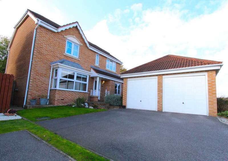 4 Bedrooms Detached House for sale in Pyenot Gardens, Cleckheaton