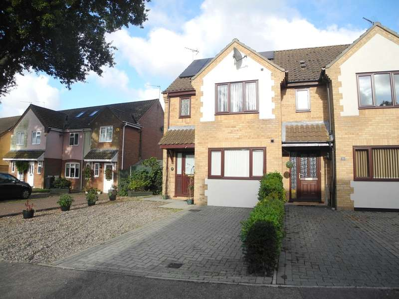 4 Bedrooms Semi Detached House for sale in Mirbecks Close, Worlingham