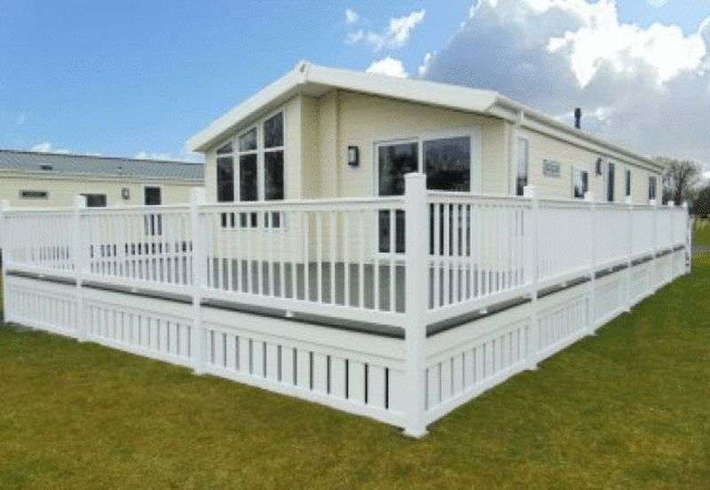 3 Bedrooms Bungalow for sale in Sheerness Holiday Park, Sheerness, Kent, ME12 3AA