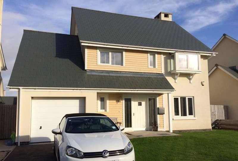 4 Bedrooms Detached House for sale in Pentre Nicklaus village, llanelli, Carmarthenshire, SA15