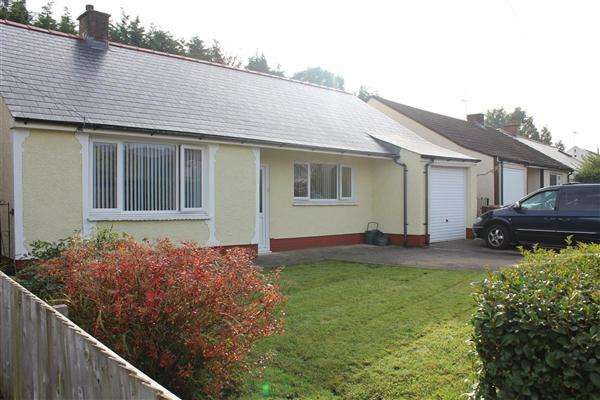 3 Bedrooms Bungalow for sale in Bedwas Road, Caerphilly