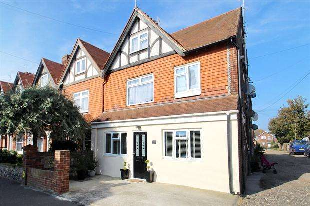 1 Bedroom Apartment Flat for sale in Selborne Road, Littlehampton, West Sussex, BN17