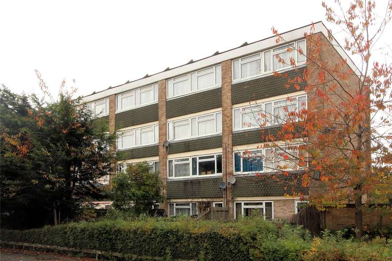 3 Bedrooms Apartment Flat for sale in Walton Court, Woking, Surrey, GU21