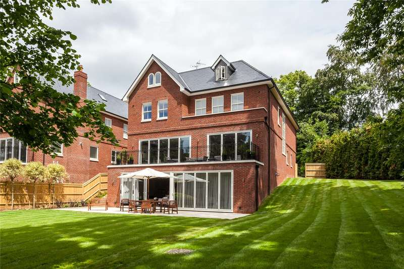 7 Bedrooms Detached House for sale in Cobbetts Hill, Weybridge, Surrey, KT13