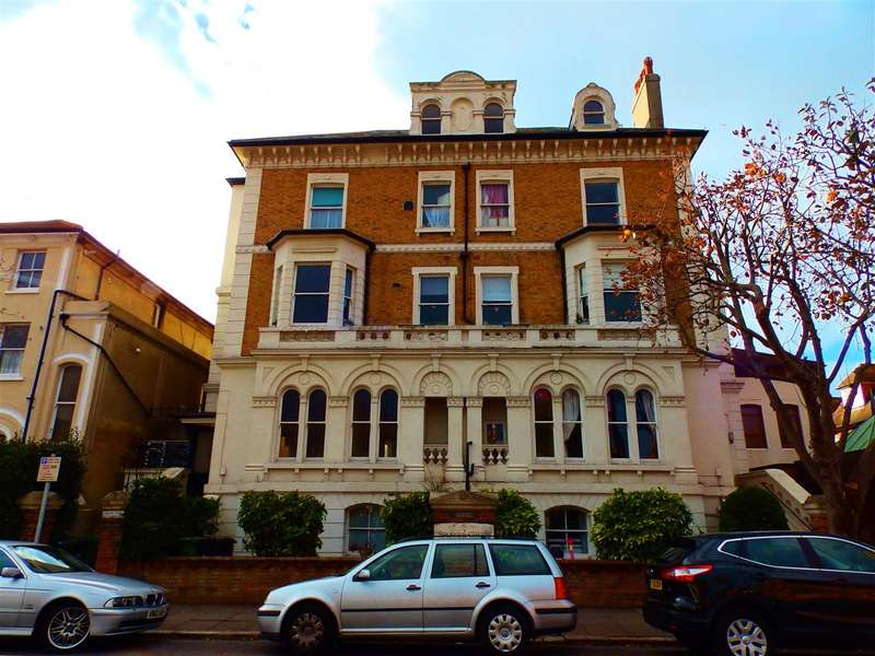 2 Bedrooms Apartment Flat for sale in A, Spencer Court, 1 Spencer Road, Eastbourne