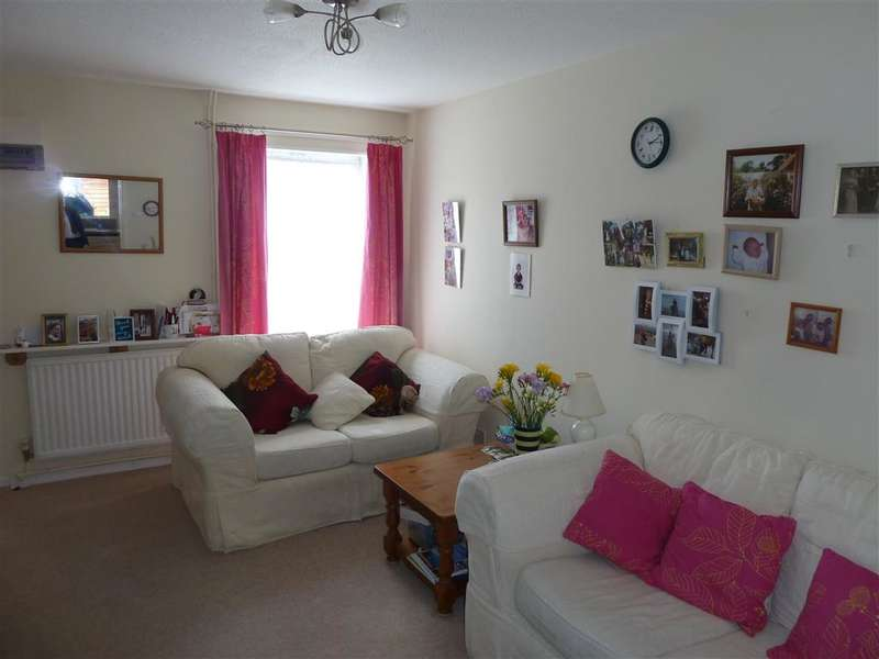 2 Bedrooms Terraced House for sale in Henderson Way, Horsham, West Sussex