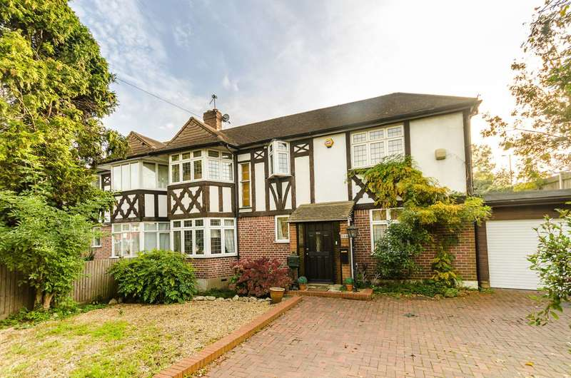 3 Bedrooms Semi Detached House for sale in Beverley Way, Raynes Park, SW20