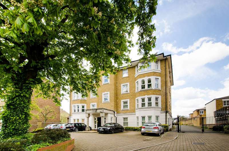 2 Bedrooms Flat for sale in Clarence Mews, Clapham South, SW12