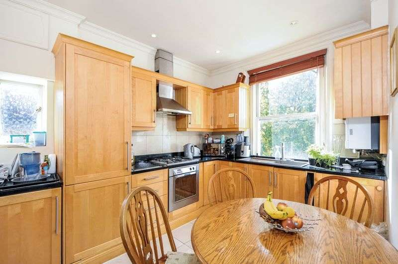 3 Bedrooms Flat for sale in Holland Road,