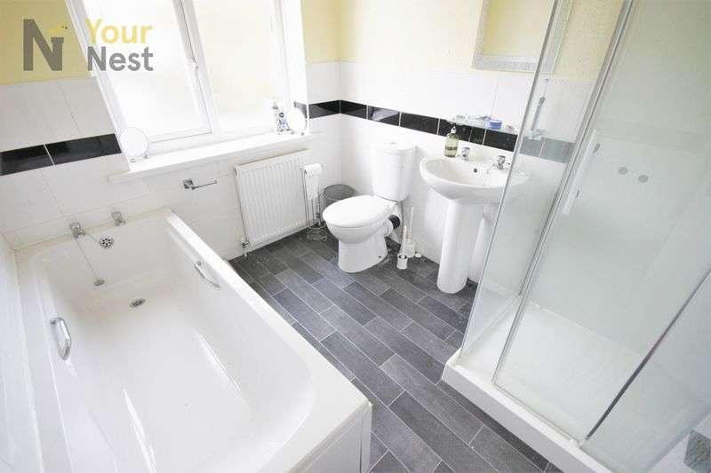 5 Bedrooms Semi Detached House for rent in Dennistead crescent, Headingley, LS6 3PU