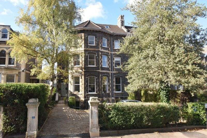 2 Bedrooms Flat for sale in Elmdale Road, Clifton