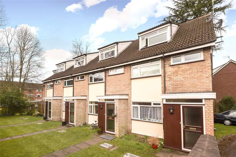 2 Bedrooms Maisonette Flat for sale in Claire Court, Westfield Park, Hatch End, Middlesex, HA5
