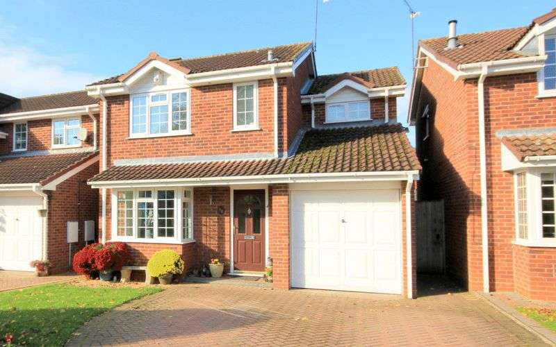 3 Bedrooms Detached House for sale in Bakewell Drive, Stone