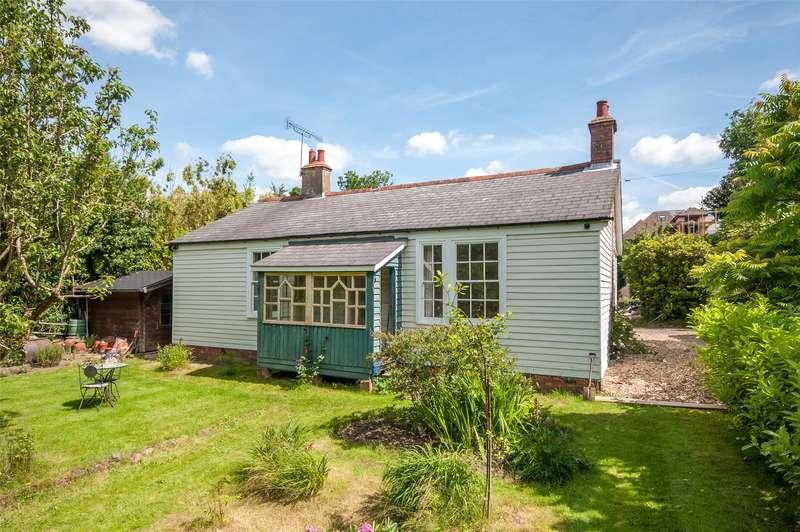 3 Bedrooms Detached Bungalow for sale in Abinger Lane, Abinger Common, RH5
