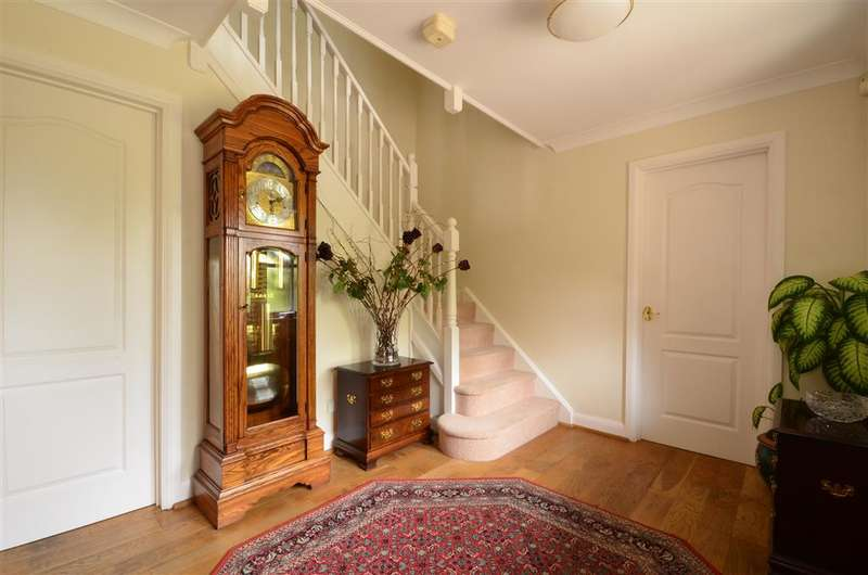 5 Bedrooms Detached House for sale in Well House Road, Ashington, West Sussex