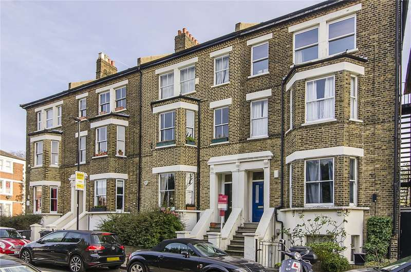 2 Bedrooms Flat for sale in Thurlow Hill, London, SE21