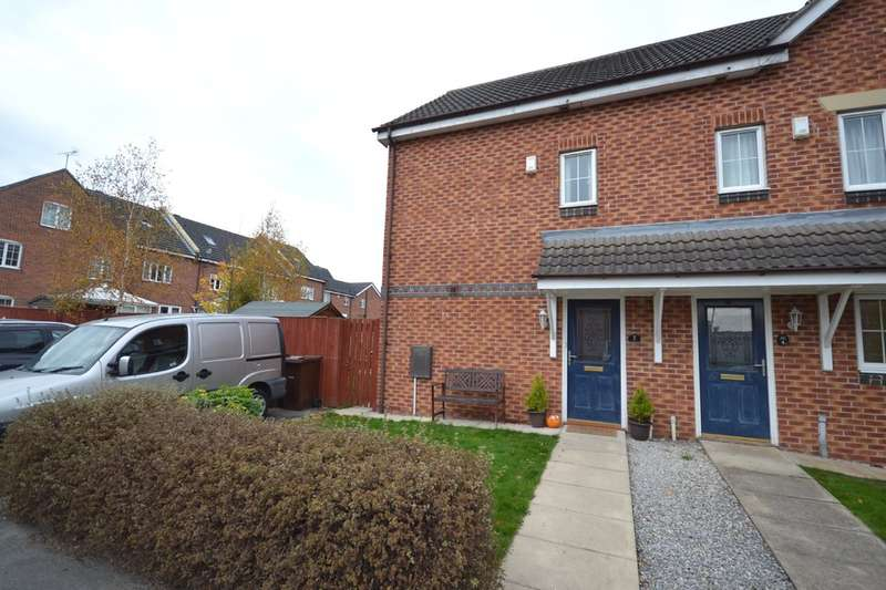3 Bedrooms Town House for sale in Woodhead Close, Ossett