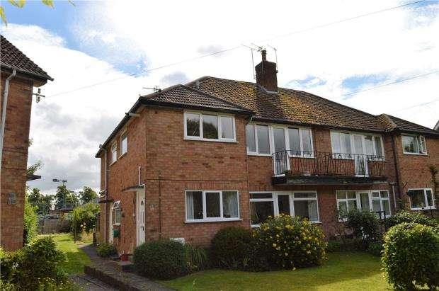3 Bedrooms Maisonette Flat for sale in Coniston Road, Old Milverton, Leamington Spa, Warwickshire