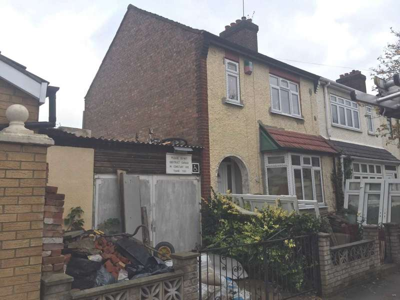 3 Bedrooms End Of Terrace House for sale in Stokes Road, East Ham, London