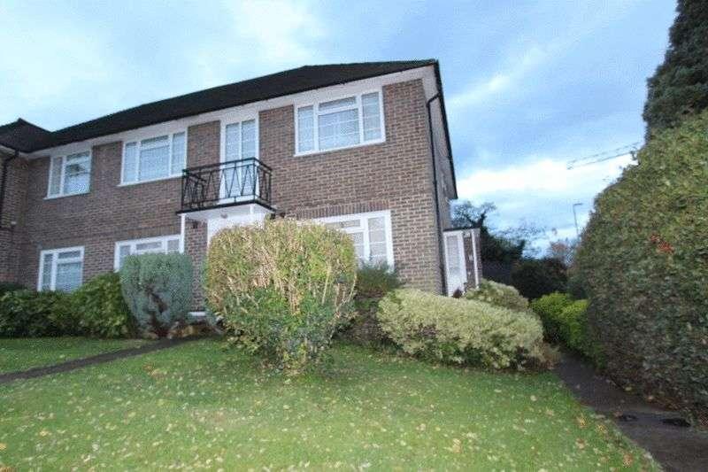 2 Bedrooms Flat for sale in Felbridge Close, Sutton