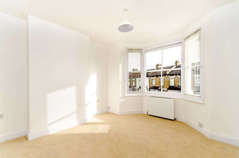 2 Bedrooms Flat for sale in Harrington Road, South Norwood, SE25