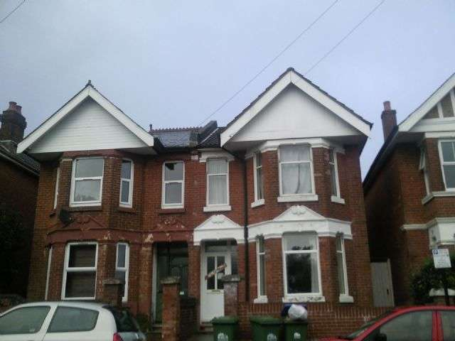 7 Bedrooms Semi Detached House for rent in Highfield Crescent, Highfield, Southampton