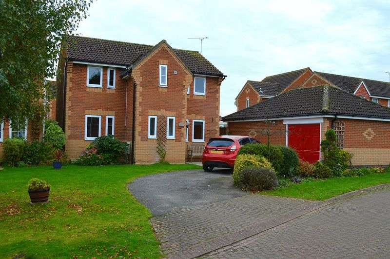3 Bedrooms Detached House for sale in Hampden Close, SKELLINGTHORPE