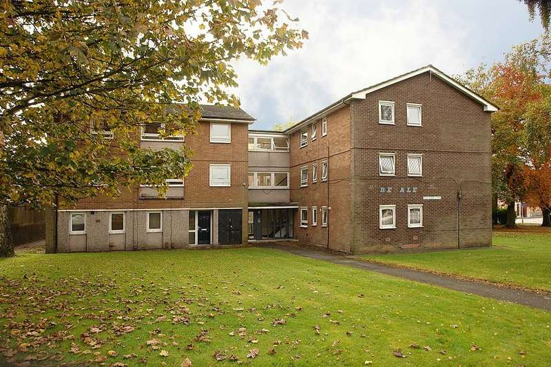 2 Bedrooms Flat for sale in 23 Flake Lane, Royton