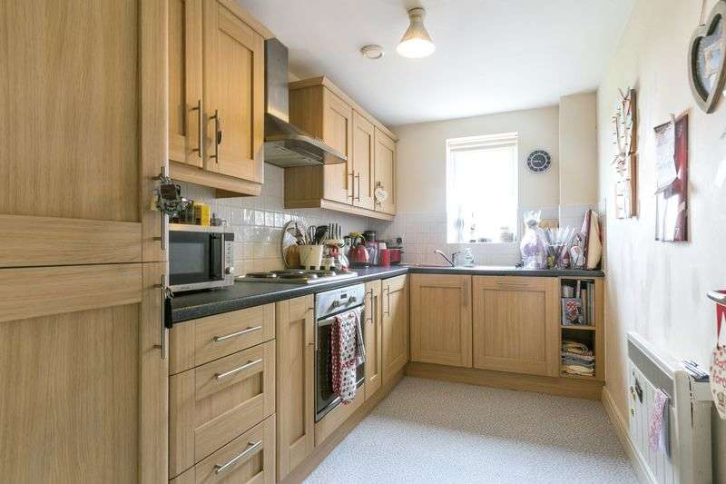 2 Bedrooms Flat for sale in Meadow View, Orrell, WN5 8QG