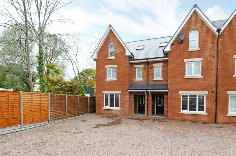 5 Bedrooms Terraced House for sale in Rushlight Mews, Chessington, Surrey, KT9