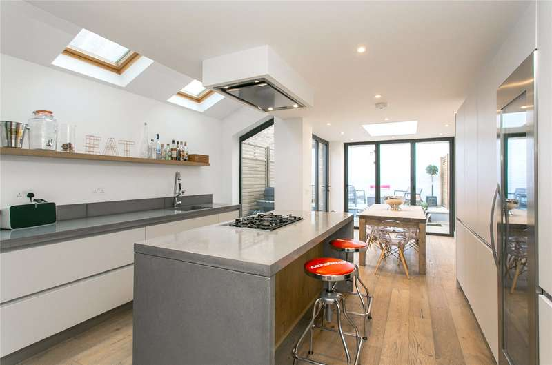 4 Bedrooms Terraced House for sale in Ranmere Street, London, SW12