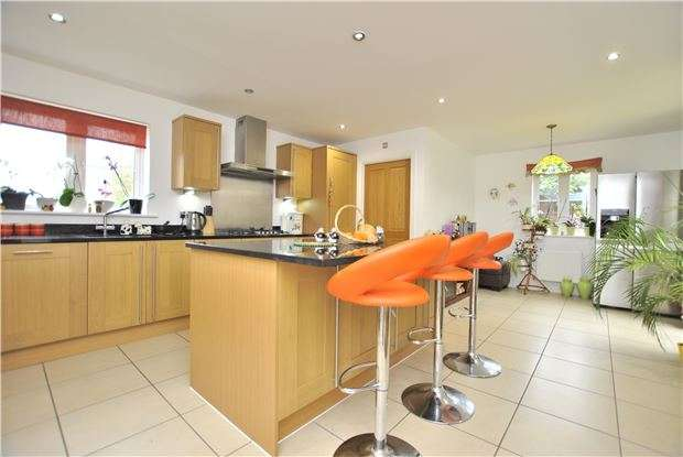 4 Bedrooms Detached House for sale in Kimmeridge Road, Cumnor, OXFORD, OX2 9RQ