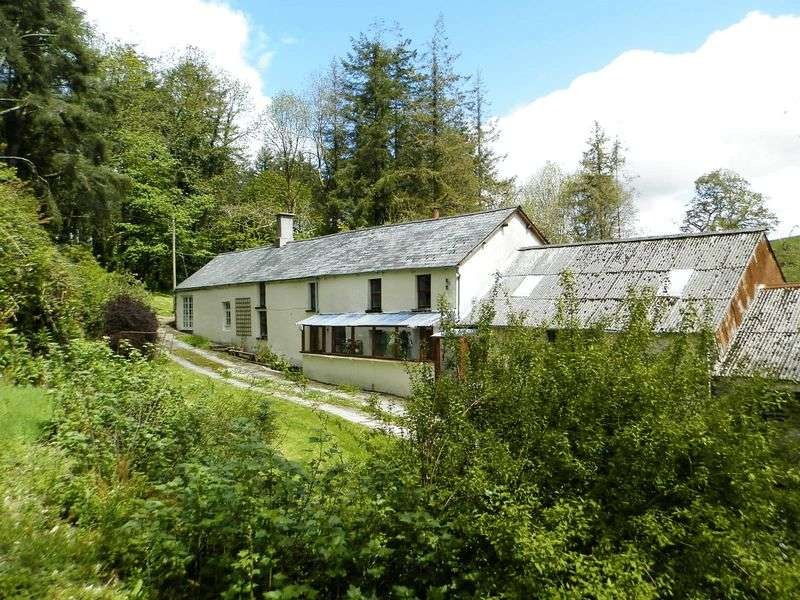 3 Bedrooms Detached House for sale in Cynwyl Elfed, Carmarthen