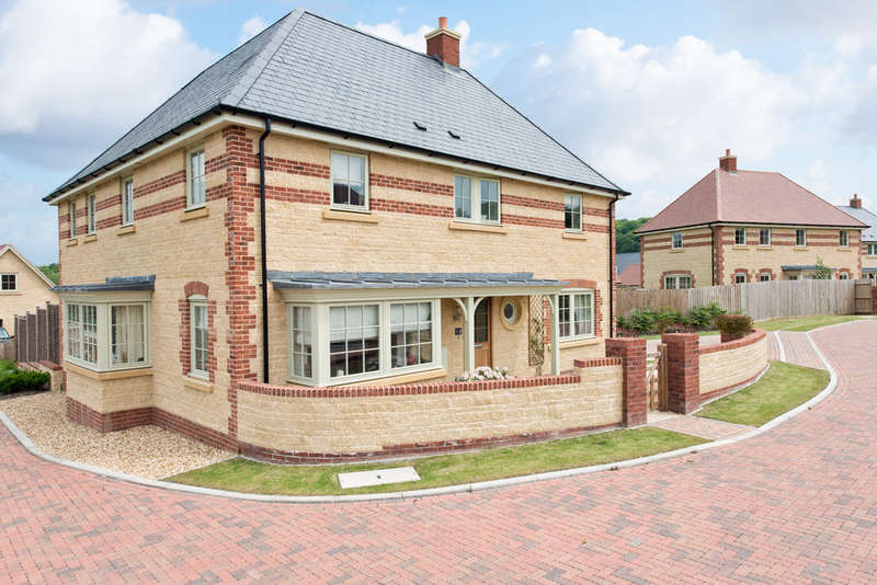 5 Bedrooms Detached House for sale in Ashbury