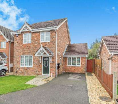 3 Bedrooms Detached House for sale in Rossington Drive, Littleover, Derby, Derbyshire