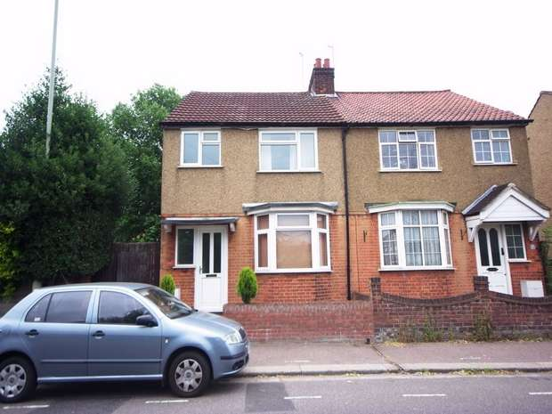 3 Bedrooms Semi Detached House for sale in Greatham Road, BUSHEY, Hertfordshire