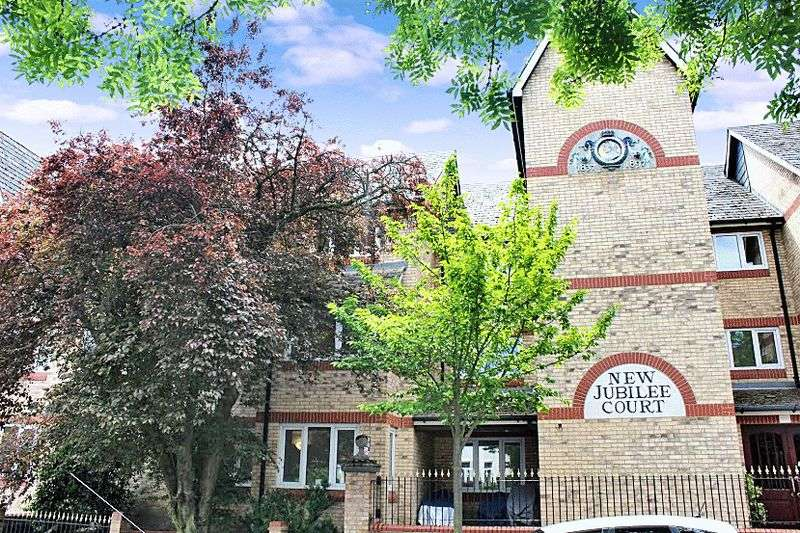 1 Bedroom Retirement Property for sale in New Jubilee Court, Woodford Green, IG8 9JU