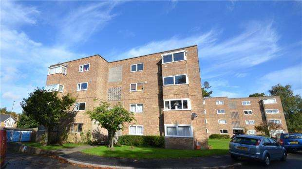 2 Bedrooms Apartment Flat for sale in Ashley Lodge, Frescade Crescent, Basingstoke