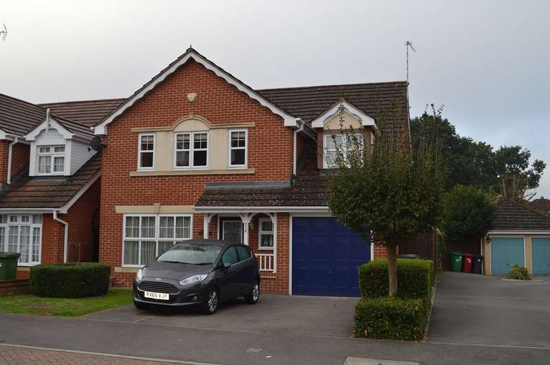 4 Bedrooms Detached House for sale in Hurworth Avenue, Langley, SL3