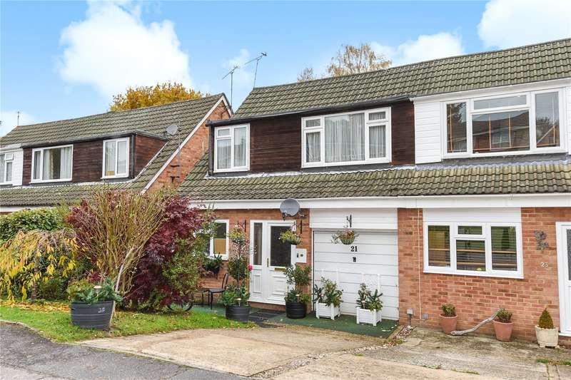 3 Bedrooms Semi Detached House for sale in Grampian Road, Sandhurst, Berkshire, GU47