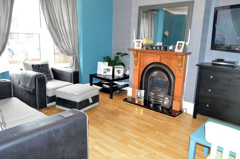 3 Bedrooms Terraced House for sale in St Andrews Road, Gosport