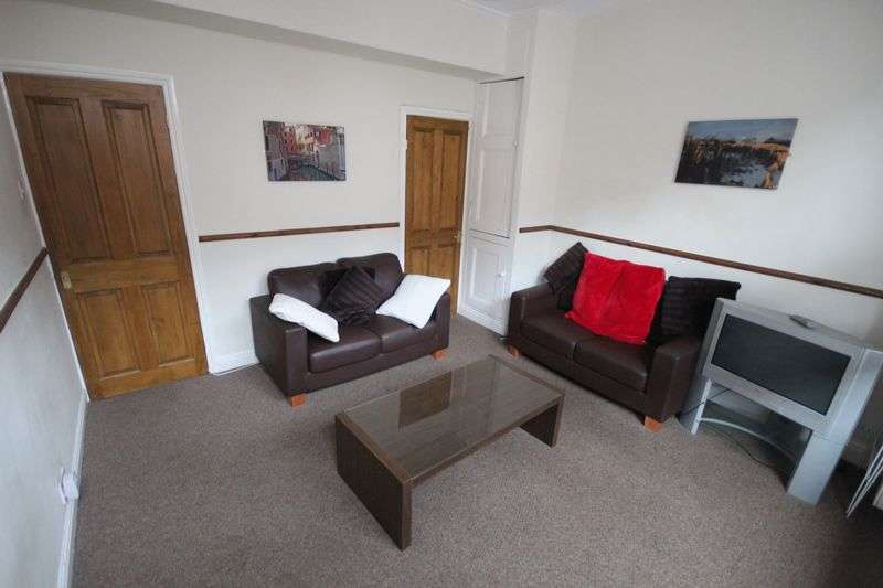 4 Bedrooms Terraced House for rent in Ash View, Headingley,