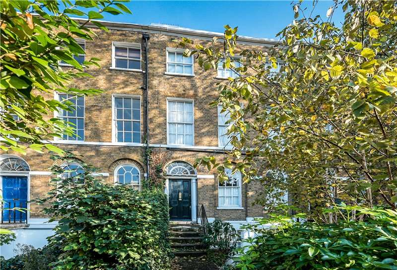 2 Bedrooms Flat for sale in Camberwell Road, Camberwell, London, SE5