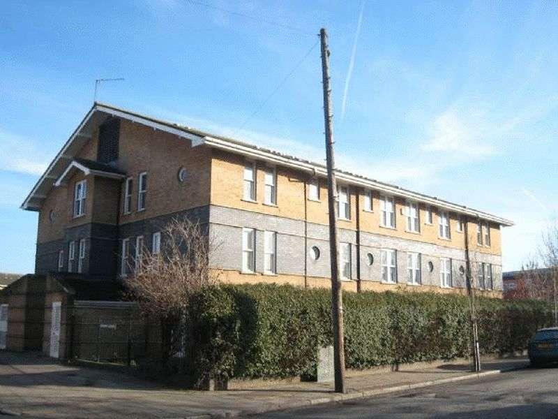 2 Bedrooms Flat for sale in Leabank Square, Hackney Wick E9