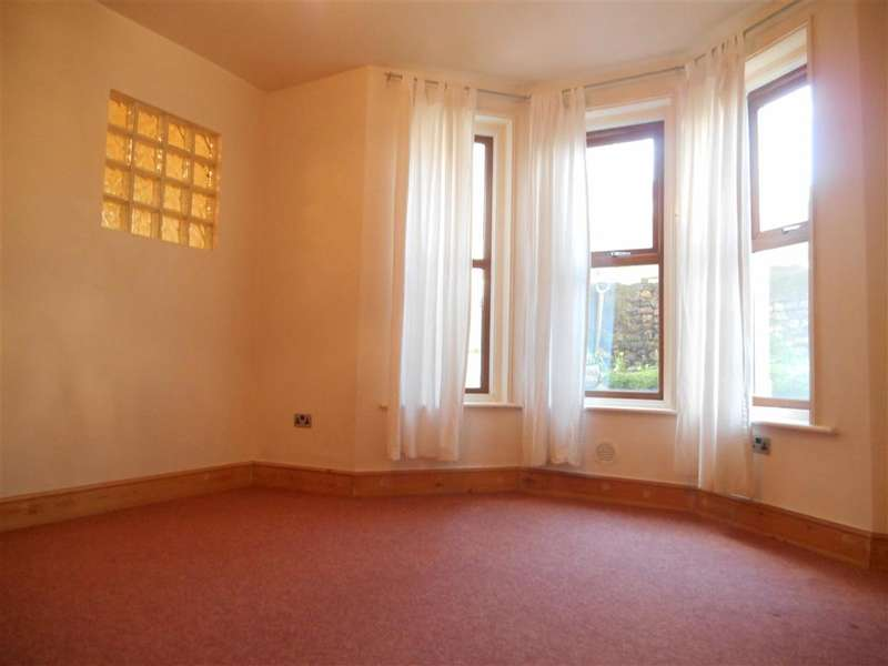 2 Bedrooms Maisonette Flat for sale in Minnis Road, Birchington, Kent